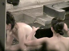 Big heavy boobs of the real Asian milf in the pool nri002 00