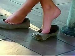 Candid teen shoeplay