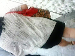 Chaparrita madura en vestido corto II