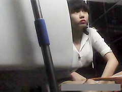 hidden camera beautiful girl in toilet vietnam