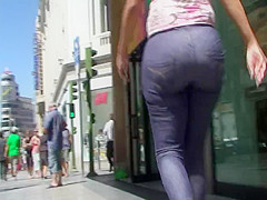 Big booty mulata nice walk sample clip from GLUTEUS DIVINUS