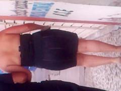 Riquisima Madura en falda apretada