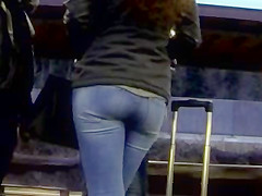 Candid - Hot Babe Great Ass In Tight Jeans And Boots
