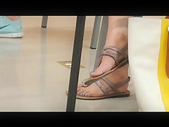 Candid Feet: Sexy Nails