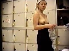 Naniwa - Hidden cam locker room