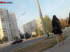 Real upskirts vid of a hottie walking with her bf