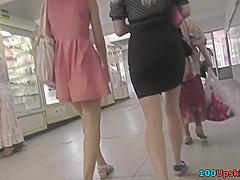 Athletic butt seen under skirt in upskirting video