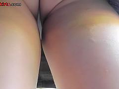 Free upskirt video shows an amazing flabby ass