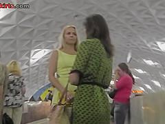 Bubble butt of a hot blonde seen in upskirt mov