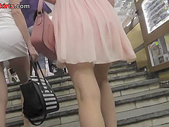 Hot a-line skirt on skinny ass in accidental upskirt
