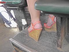 Girl in denim skirt shows amazing ass in upskirt vid