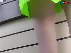 Thong makes bubble butt look awesome in upskirting vid