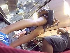I love escalator upskirt!