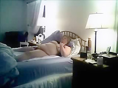 Caught my fat mom masturbating on bed