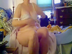 Watch my mom after shower