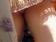 hot g string of a sexy chick seen in free upskirt video