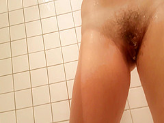 hd spycam of sexy milf in shower