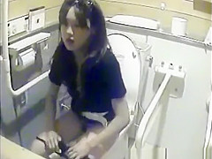girls peeing in dormitory toilet