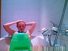 Russian babe caught on bath tub spy