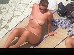 chubby nudist wife with trimmed pussy