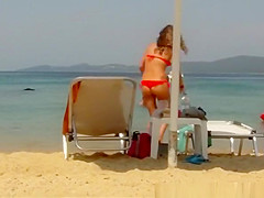 Sexy ass brunette chick in red bikini
