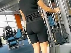 Nice cameltoe in tight sports shorts