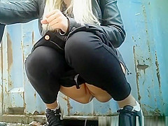 Piss hunter catches girls peeing outdoors