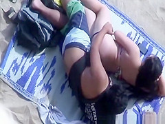 couple quickie in the beach