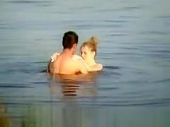 sexo en el lago