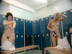 hairy mature and teen spied in locker room