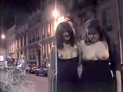 Flashing in Paris.