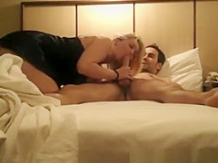 Dude has his cock sucked and ridden