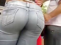 Nice Candid Butt in Tight Jeans