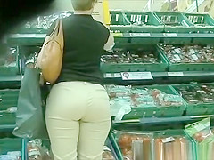 Big ass woman in tight pants
