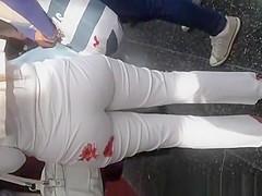 White pants cameltoe an ass