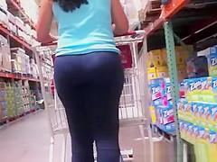 Candid latina milf with big ass spandex leggings