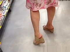 yellow panties supermarket upskirt