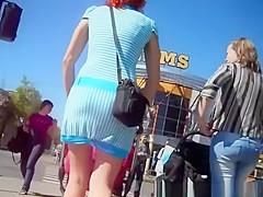 Milf in short blue dress upskirted
