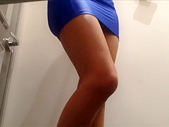 Sexy babe tries out a short skirt