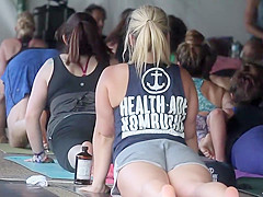 Peeping on hot yoga girls
