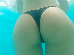 Naturist ass in pool are not
