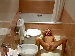 Amazing masturbation in the bathroom