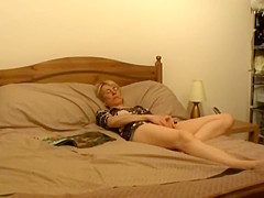 Aunt got spied while pleasing her urges