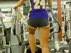 Sexy fitness chicks spied in the gym