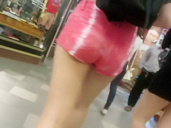Chinese girl's hot ass in shorts
