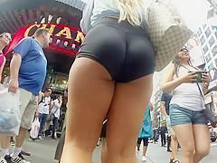 Hot asses in tight leggings