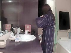 Real Hidden Shower (1)