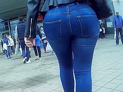 bubble jeans ass shopping