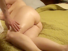Plump mommy finally gets a massage that she wanted