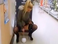 Public flashing in big hardware store
